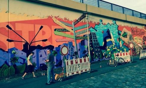 Grafitti-Projekt: Lichtenberger Brücke 13