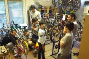 Manchmal wird's kuschelig in der Fahrradwerkstatt Hohenschönhausen ;D 5