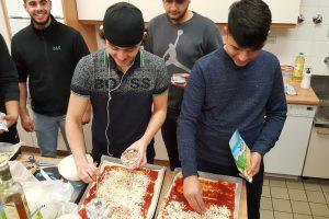 Pizza backen mit den Jungs 7